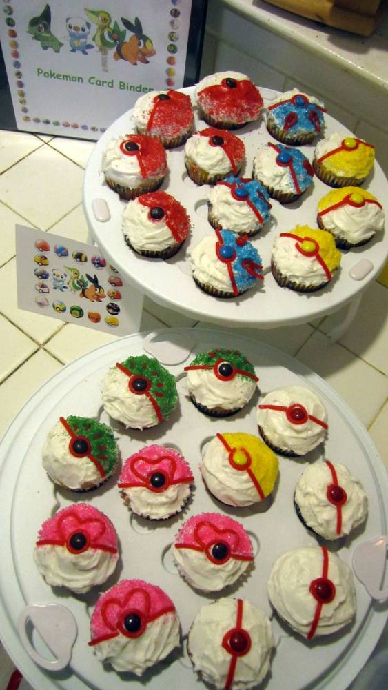 Baking a Pokemon Birthday (2/6)