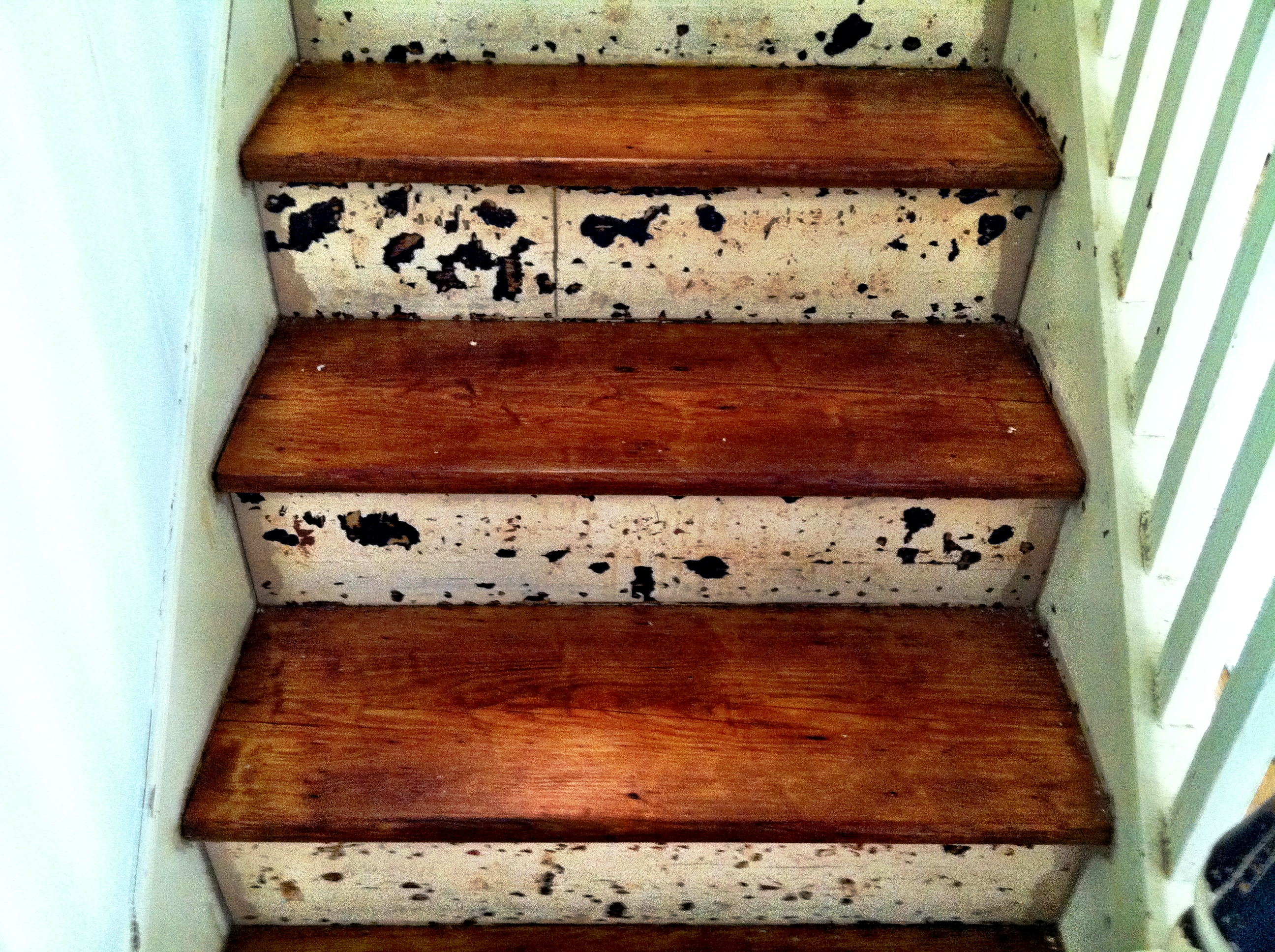 Finishing Stair Risers on the Shore House | From Grind to ...